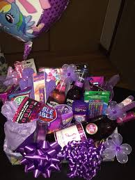 gift ideas 60 year woman best 25 birthday gift baskets ideas on small gifts