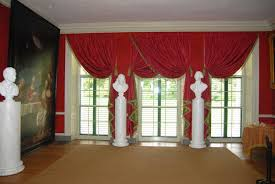 how to hang curtains in bay window furniture toobe8 nice red that