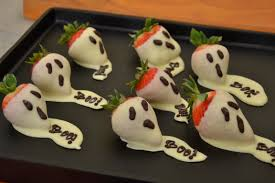 White Chocolate Strawberries And Pretzels Easy To Make Halloween Sweet Treats With Culinary Capers