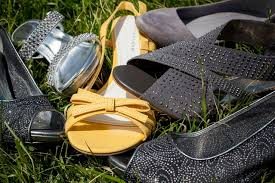 wedding shoes for grass wedding shoes the do s and dont s