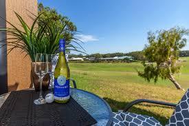 horizons golf club villa 123 holiday villa salamander bay north