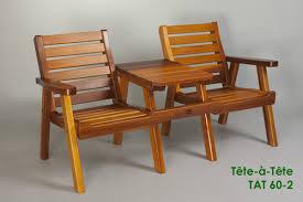 tête à tête double patio chair with central table classic cedar