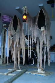 outdoor halloweenons for hgtvsng scary diy
