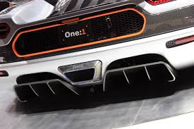 koenigsegg engine hear the koenigsegg one 1 u0027s 1 340 hp engine start up and rev video