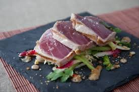 cuisiner thon recettes salade thon par l atelier des chefs