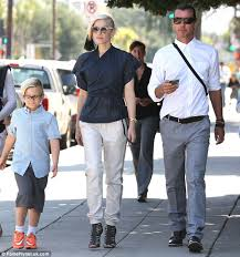 gavin rossdale ready to move on after gwen stefani gwen stefani wows out with gavin rossdale and their sons on mother s