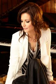 review martina mcbride astonishes on new album everlasting