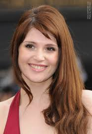 hairstyles for broad forehead gemma arterton side swept long hair in an easy maintenance style