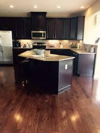 Kitchen Hardwood Floors by Hardwood Laminate Flooring For Kitchen White Cabinets Hardwood