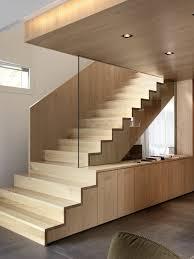 treppen aus holz treppe aus holz und glas stiegenaufgang design