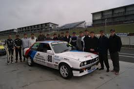 bmw race series the castrol bmw e30 race series drive drive