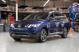 pathfinder nissan 2017 nissan pathfinder drops hybrid variant model looks more
