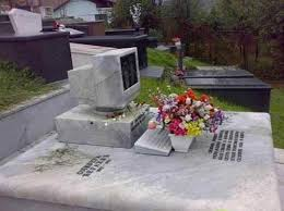 how much are headstones 21 cool and creative gravestones smosh