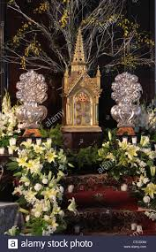 altar decorations catholic church altar with flowers decorations during holy week