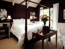 Brown Bedroom Furniture Colors Work Well With Brown In The Bedroom