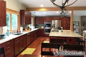 Shaker Cherry Kitchen Cabinets Cherry Cabinets Offer A Warm Rich Look Not To Mention The