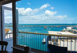 Brixham Holiday Cottages by 8 Dolphin Court 8 Dolphin Court Brixham Modern Apartment With