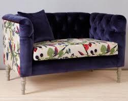 canapé tendance des motifs sur le canapé cocon de décoration le