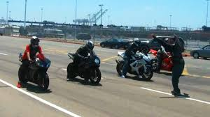 cdr bike 4 way bike race cbr vs 2 gsxrs vs r1 youtube