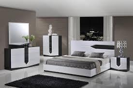High Gloss Bedroom Furniture Unique Minimalist White High Gloss Bedroom Furniture Ideas Bed