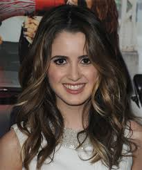 laura marano new cut hair style new short hair style laura marano long wavy casual hairstyle dark brunette chestnut
