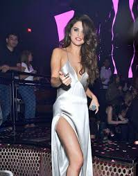 selena gomez 179 wallpapers 704 best selena gomez images on pinterest celebrity artists and