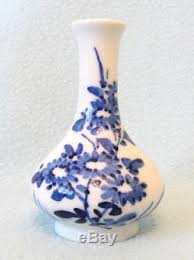 Miniature Flower Vases Chinese Miniature Blue And White Ovoid Flower Vase Sign Chenghua Reign