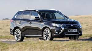 outlander mitsubishi mitsubishi outlander phev review plug in suv driven top gear