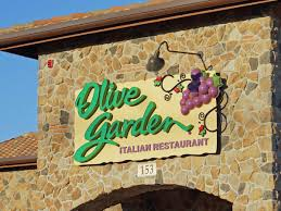 olive garden family meal deal people olive garden u0027s new logo business insider
