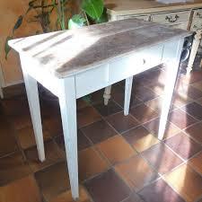 table de cuisine ancienne table de cuisine ancienne transformée en élégante de salon la