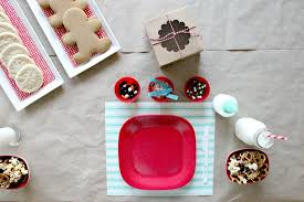 Cookie Decorating Tips 5 Tips For Hosting A Holiday Cookie Decorating Party For Kids