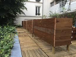 amenagement terrasse paris 75 la terrasse aux grands bacs bois les jardiniers à vélo