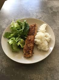 saumon cuisine fut pavé de saumon en croûte de quinoa sentiers secrets