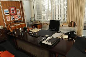 Men S Office Colors by Mens Office Decor Office Table