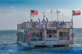 Lake Belton Christmas Lights by Sail With Harbor Lights Party Boat Ride U0026 Cruise On Lake Ray Hubbard