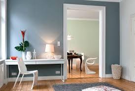 wohnzimmer wand grau wandfarbe taubenblau wandgestaltung ideen mit blauen farbtönen
