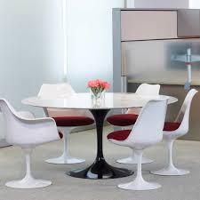 the saarinen tulip bistro table by knoll
