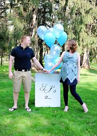 gender reveal announcements boy or girl area couples make announcements at gender reveal