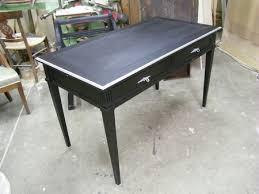 repeindre un bureau repeindre un fauteuil et un bureau louis xvi en merisier atelier
