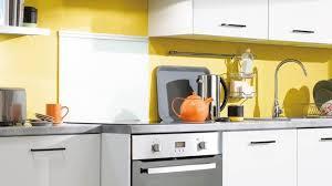 cuisine jaune et blanche deco cuisine jaune et blanc luxe duos de couleurs gagnants pour la
