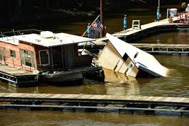 a houseboat sank near downtown st paul six months ago why won u0027t