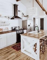 farmhouse style kitchen cabinets 25 farmhouse kitchen decor ideas you ll want to copy