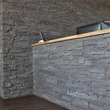 steinwand wohnzimmer gips verzierung steinwand wohnzimmer gips steinverkleidung wand aussen