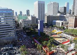 los angeles women u0027s march thousands flood the streets time
