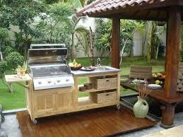 cuisine d été en bois cuisines cuisine mobile meuble bois sur roulettes la cuisine d