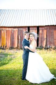 Green Villa Barn Independence Or Green Villa Garden Weddings Get Prices For Wedding Venues In Or