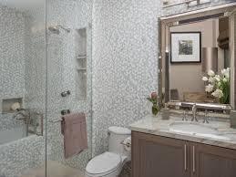 hgtv bathroom designs small bathrooms hgtv bathroom designs small bathrooms 10