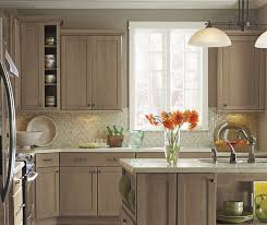 oak kitchen cabinet finishes light wood finish shaker kitchen cabinetry
