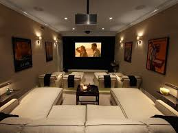 bedroom decorating ideas on a budget small media room ideas on a budget movie themed bedroom broadway