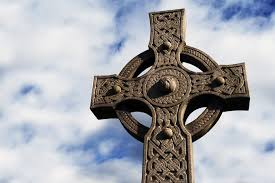 celtic crucifix celticcrossmeaning2 jpg